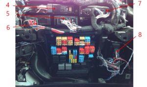 Расположение блоков электронных систем в кабине КамАЗ-5490.